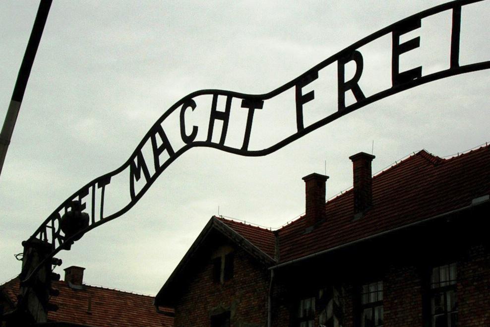 Nezabúdajme na obete holokaustu a rasovo motivovaného násilia