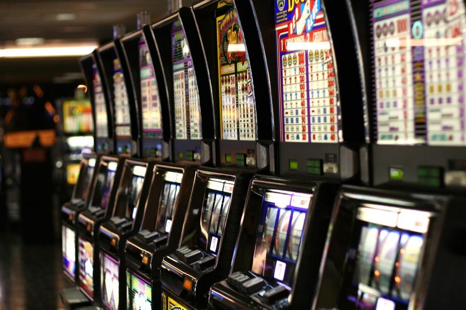 Hazard trápi samosprávy, tie potrebujú viac kompetencií na jeho kontrolu